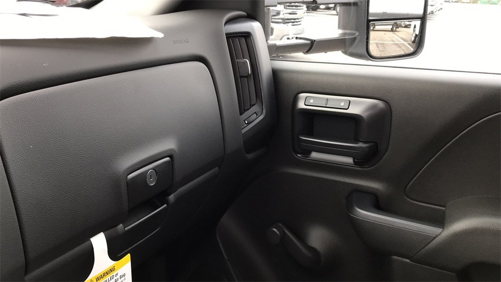 2018 Silverado 3500 Regular Cab DRW 4x4,  Crysteel Dump Body #CJF202905 - photo 27