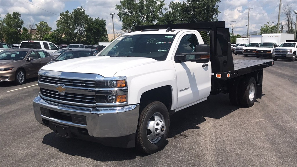2018 Silverado 3500 Regular Cab DRW 4x2,  Knapheide Platform Body #CJF246794 - photo 5