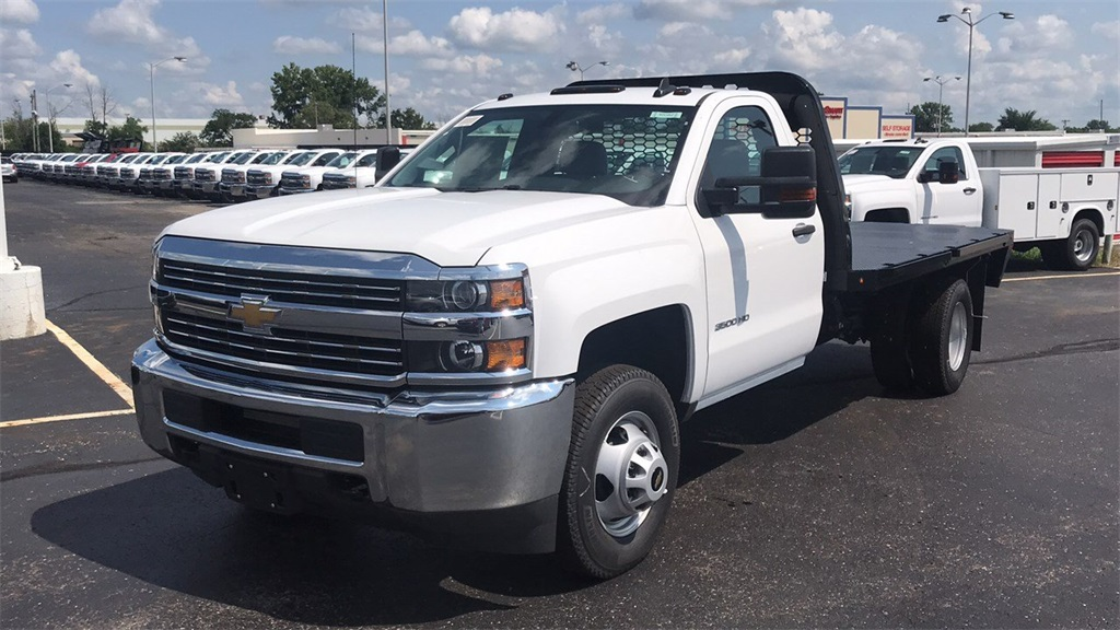 2018 Silverado 3500 Regular Cab DRW 4x2,  Knapheide Platform Body #CJF247662 - photo 4