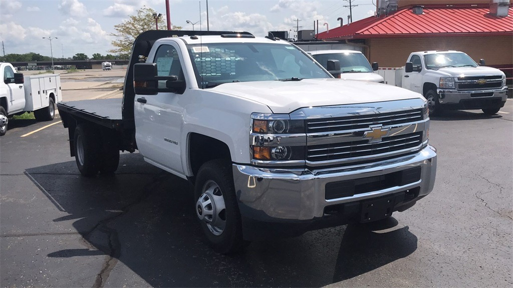 2018 Silverado 3500 Regular Cab DRW 4x2,  Knapheide Platform Body #CJF247662 - photo 7