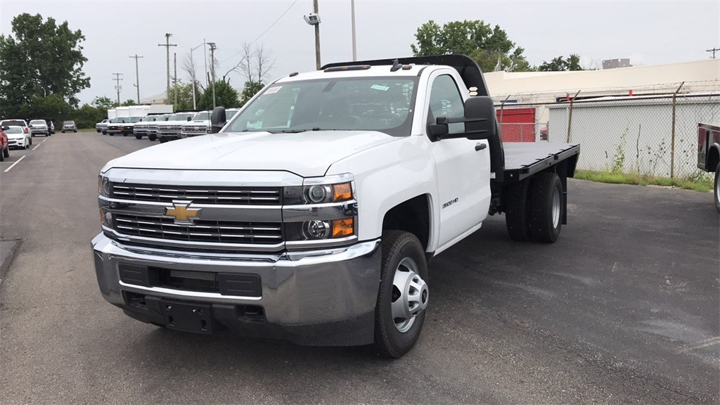 2018 Silverado 3500 Regular Cab DRW 4x2,  Knapheide Platform Body #CJF247953 - photo 3