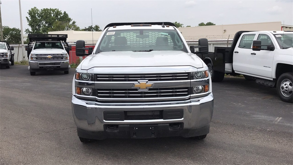 2018 Silverado 3500 Regular Cab DRW 4x2,  Knapheide Platform Body #CJF247953 - photo 4