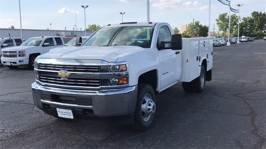 2018 Silverado 3500 Regular Cab DRW 4x4,  Knapheide Standard Service Body #CJZ152487 - photo 3