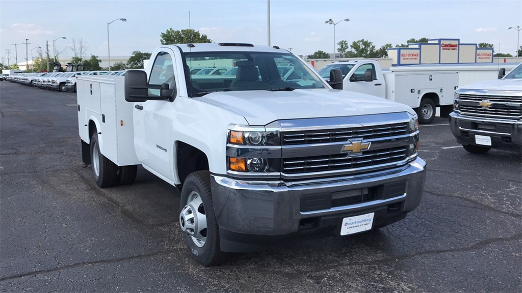 2018 Silverado 3500 Regular Cab DRW 4x4,  Knapheide Standard Service Body #CJZ152487 - photo 5