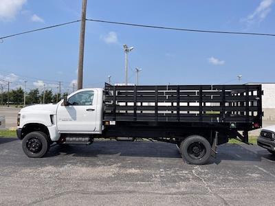 2020 Silverado 5500 Regular Cab DRW 4x4,  Knapheide Value-Master X Stake Bed #CX0T617531 - photo 3