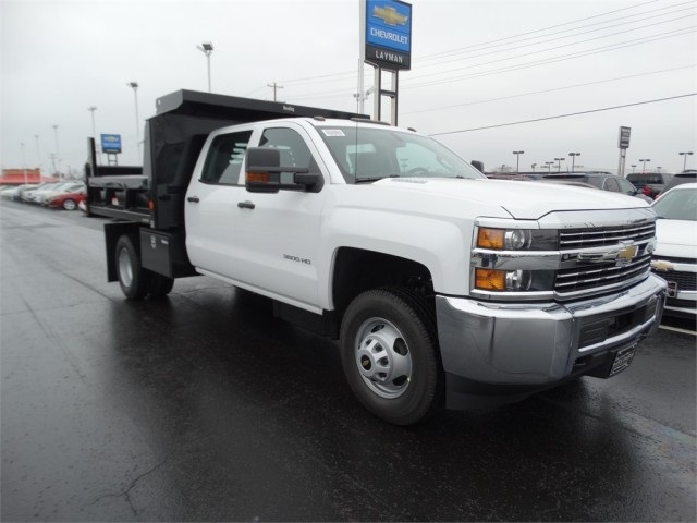 2016 Silverado 3500 Crew Cab 4x4, Reading Dump Body #GF114382 - photo 4