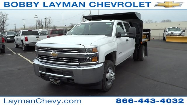 2017 Silverado 3500 Crew Cab DRW 4x4, Crysteel Dump Body #HF133064 - photo 3