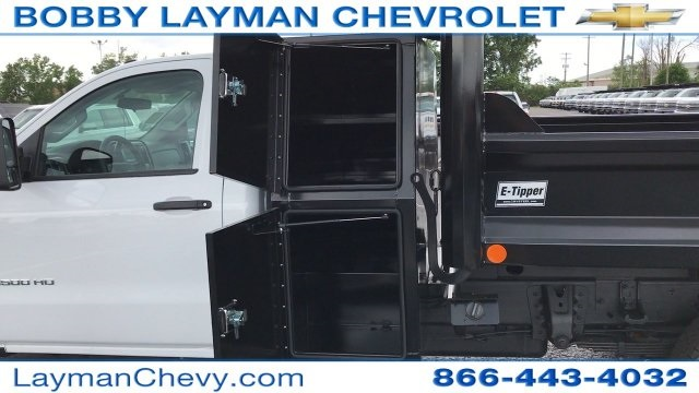 2017 Silverado 3500 Regular Cab DRW, Crysteel Dump Body #HF206832 - photo 20