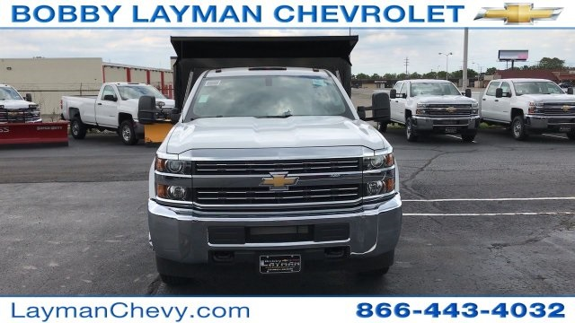 2017 Silverado 3500 Regular Cab DRW, Crysteel Dump Body #HF206832 - photo 9
