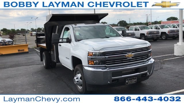 2017 Silverado 3500 Regular Cab DRW, Crysteel Dump Body #HF206832 - photo 3