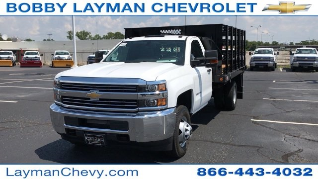 2017 Silverado 3500 Regular Cab DRW, Reading Steel Stake Bodies Stake Bed #HF214817 - photo 4