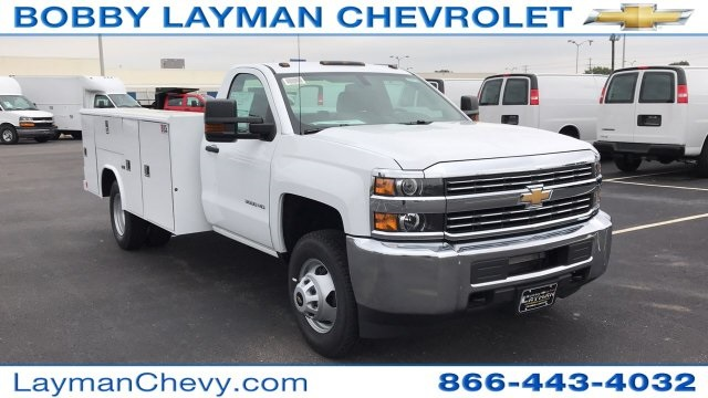 2017 Silverado 3500 Regular Cab DRW 4x4, Reading Classic II Steel Service Body #HF215423 - photo 6