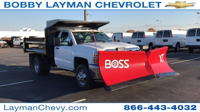 2017 Silverado 3500 Regular Cab DRW 4x4, Crysteel Dump Body #HZ339248 - photo 4
