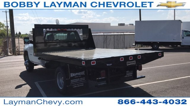 2018 Silverado 3500 Regular Cab DRW, Platform Body #JF109342 - photo 3