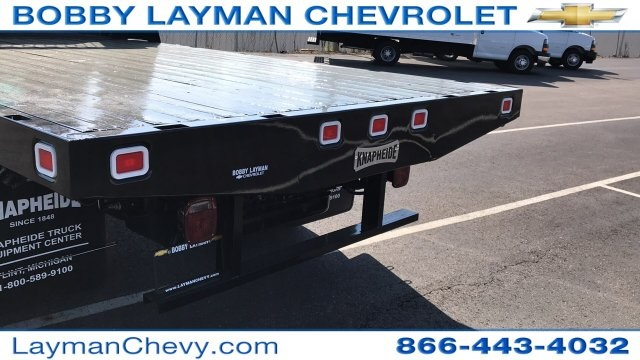 2018 Silverado 3500 Regular Cab DRW, Platform Body #JF109342 - photo 8