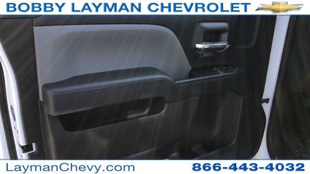 2018 Silverado 3500 Regular Cab DRW, Platform Body #JF109342 - photo 18