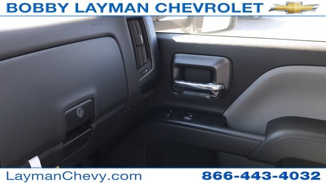 2018 Silverado 3500 Regular Cab DRW, Platform Body #JF109342 - photo 24