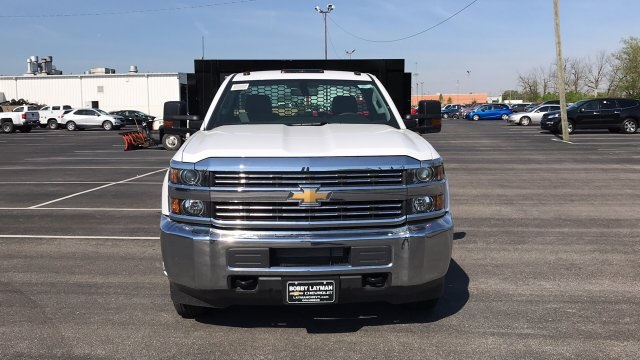 2018 Silverado 3500 Regular Cab DRW, Platform Body #JF109342 - photo 5