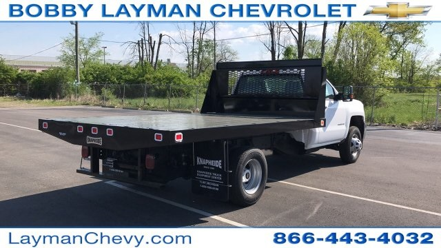 2018 Silverado 3500 Regular Cab DRW, Platform Body #JF109342 - photo 2