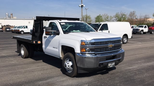 2018 Silverado 3500 Regular Cab DRW, Platform Body #JF111380 - photo 5