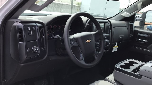 2018 Silverado 3500 Crew Cab DRW 4x2,  Service Body #JF123697 - photo 15