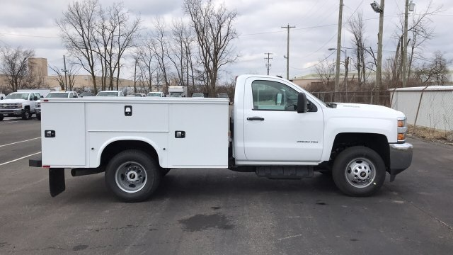 2018 Silverado 3500 Regular Cab DRW 4x4,  Knapheide Standard Service Body #JF196370 - photo 1