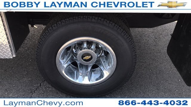 2018 Silverado 3500 Crew Cab DRW 4x4, Platform Body #JF212272 - photo 12