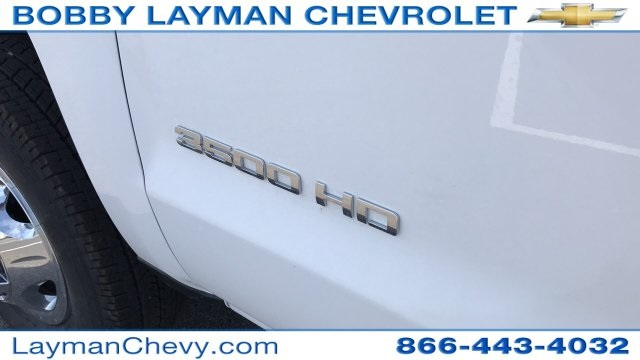 2018 Silverado 3500 Crew Cab DRW 4x4, Platform Body #JF212272 - photo 29