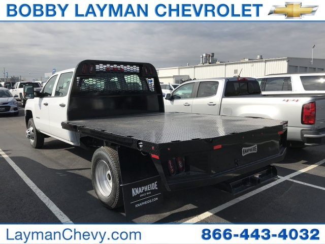 2018 Silverado 3500 Crew Cab DRW 4x4, Platform Body #JF228899 - photo 2
