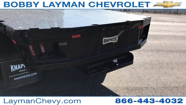 2018 Silverado 3500 Crew Cab DRW 4x4, Platform Body #JF228899 - photo 10