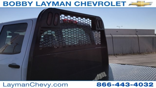 2018 Silverado 3500 Crew Cab DRW 4x4, Platform Body #JF228899 - photo 12