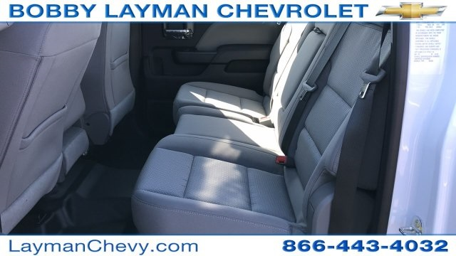 2018 Silverado 3500 Crew Cab DRW 4x4, Platform Body #JF228899 - photo 13