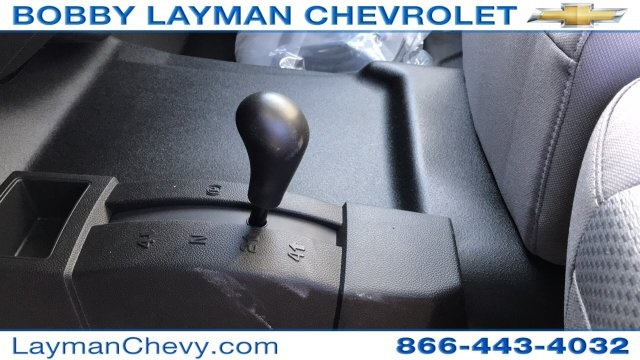 2018 Silverado 3500 Crew Cab DRW 4x4, Platform Body #JF228899 - photo 25