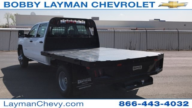 2018 Silverado 3500 Crew Cab DRW 4x4, Platform Body #JF230862 - photo 4