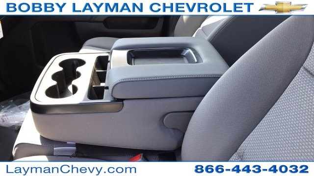 2018 Silverado 3500 Crew Cab DRW 4x4, Platform Body #JF230862 - photo 16