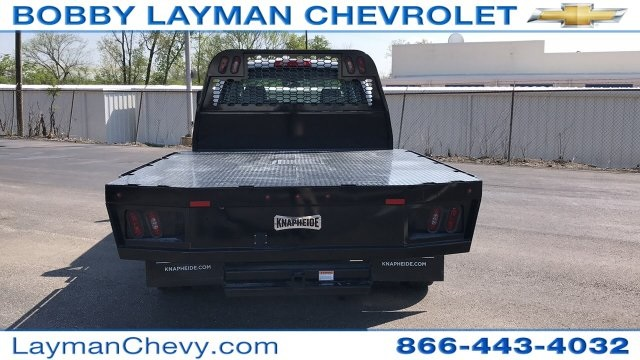 2018 Silverado 3500 Crew Cab DRW 4x4, Platform Body #JF230862 - photo 9