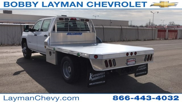 2018 Silverado 3500 Crew Cab DRW 4x4, Platform Body #JF243621 - photo 2