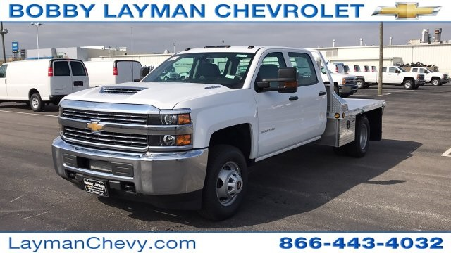 2018 Silverado 3500 Crew Cab DRW 4x4, Platform Body #JF243621 - photo 3