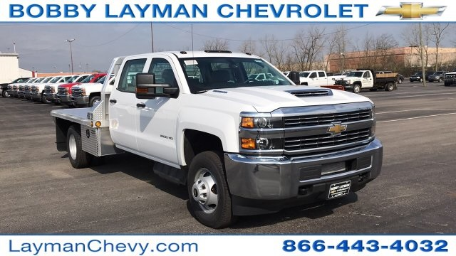 2018 Silverado 3500 Crew Cab DRW 4x4, Platform Body #JF243621 - photo 5