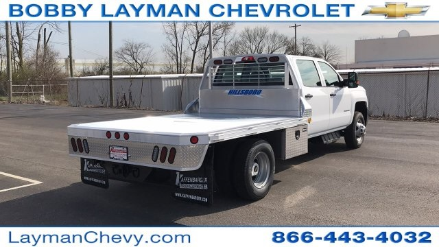 2018 Silverado 3500 Crew Cab DRW 4x4, Platform Body #JF243621 - photo 6