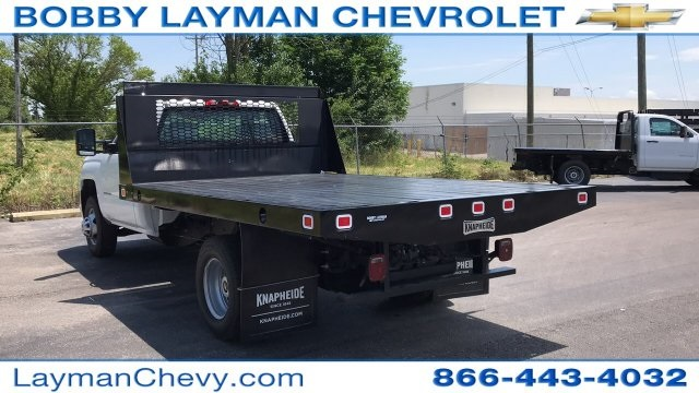 2018 Silverado 3500 Regular Cab DRW 4x2,  Knapheide Platform Body #JF246794 - photo 2