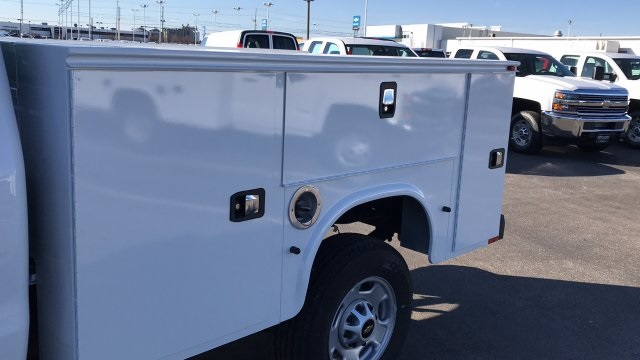 2018 Silverado 2500 Regular Cab 4x4, Service Body #JZ129817 - photo 11