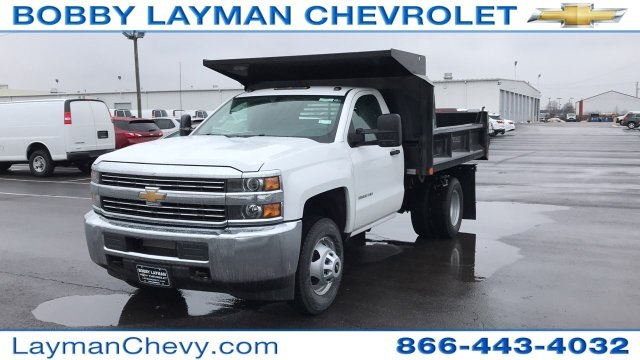 2018 Silverado 3500 Regular Cab DRW 4x4, Crysteel Dump Body #JZ155666 - photo 3