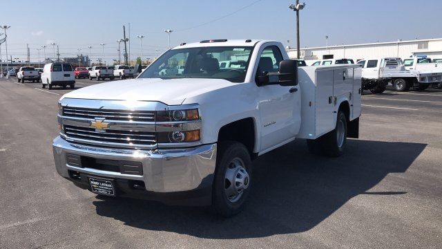 2018 Silverado 3500 Regular Cab DRW, Service Body #JZ188282 - photo 5