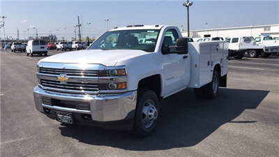 2018 Silverado 3500 Regular Cab DRW, Knapheide Standard Service Body #JZ188282 - photo 5