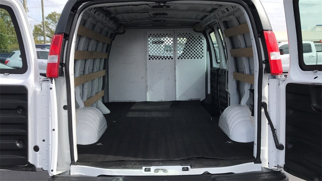 2017 Savana 2500,  Empty Cargo Van #PCA144293 - photo 3