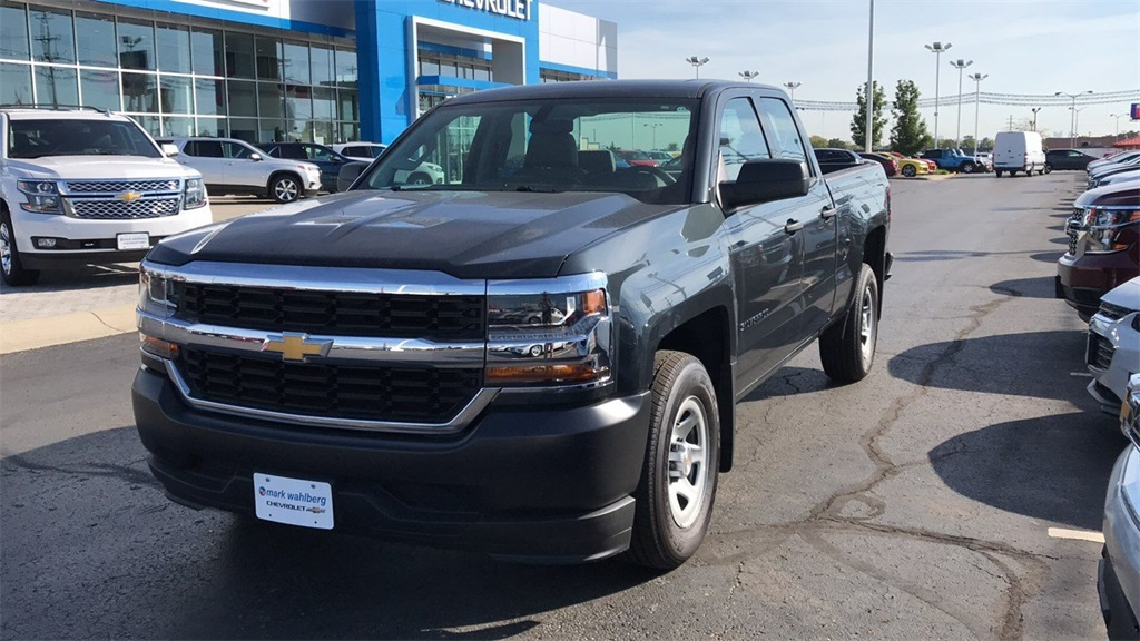2018 Silverado 1500 Double Cab 4x2,  Pickup #PCR159685 - photo 3