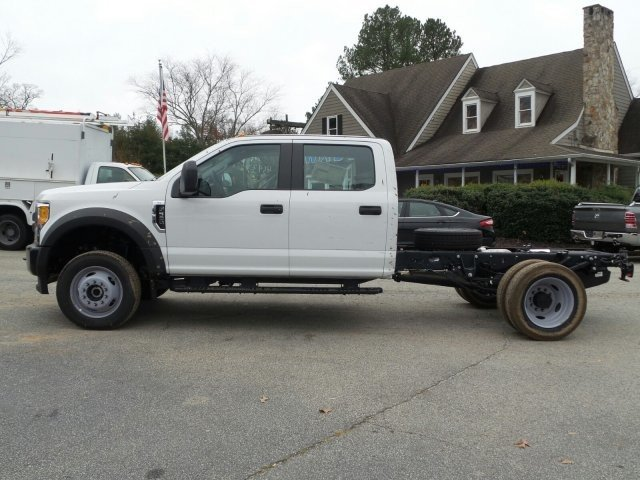 2017 F-550 Crew Cab DRW 4x4, Cab Chassis #HEE34430 - photo 3