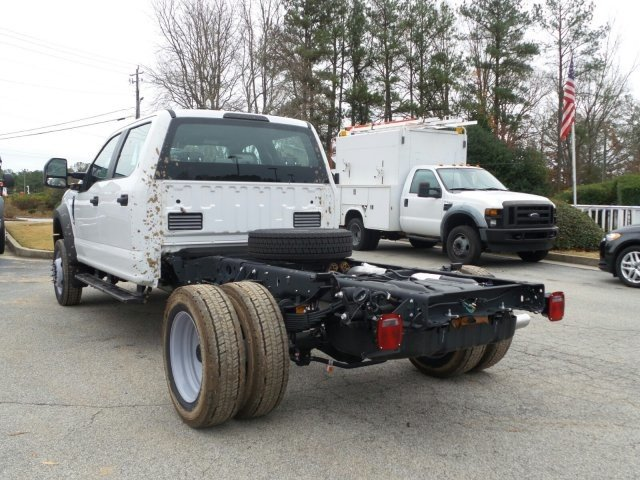 2017 F-550 Crew Cab DRW 4x4, Cab Chassis #HEE34430 - photo 2