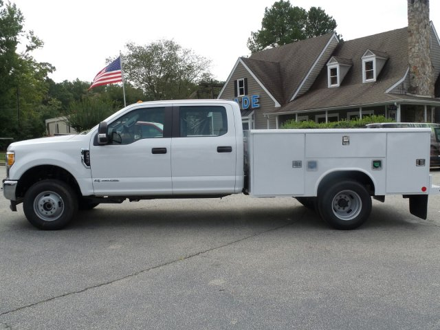 2017 F-350 Crew Cab DRW 4x4, Reading Service Body #HEE35811 - photo 3